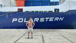 ESSIC's Santiago Gassó poses next to the German research icebreaker Polarstern. Image credit: S. Gassó (Click image to download hi-res version.)
